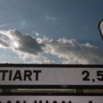 cartel nomenclator del pueblo de Atiart