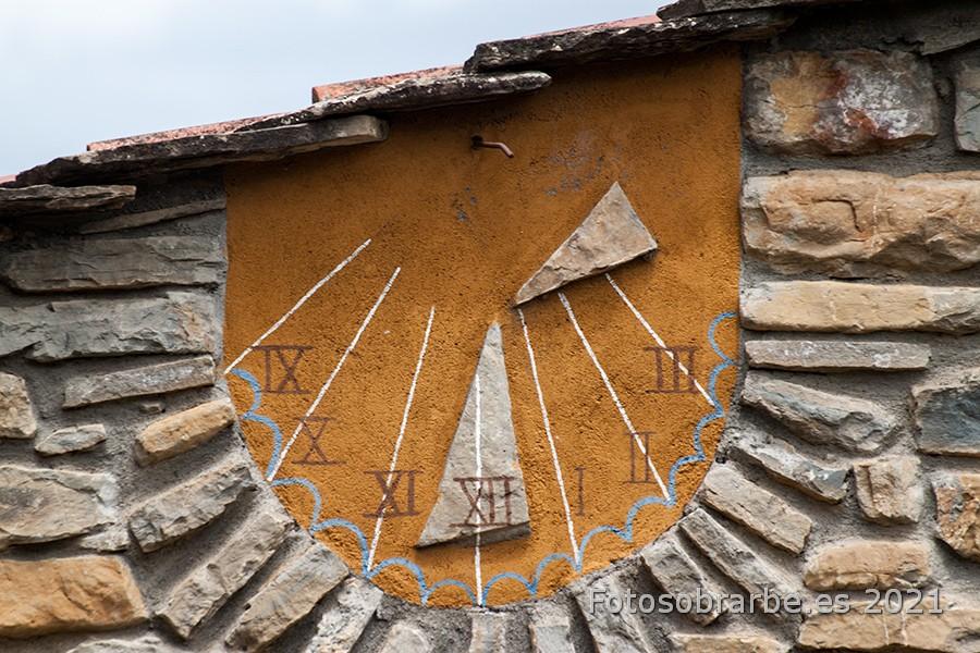 Foto Reloj solar en Arcusa